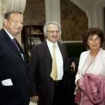M. Albert Siefer-Gaillardin, Président de France-Amériques ; M. Amin Maalouf de l'Académie Française, Président du Jury littéraire de France-Amériques ; et Mme. Maalouf