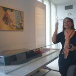 """Madame Mathilde Schneider ,commissaire de l'exposition en cours ,""""LaFayette,nous voilà"""""""